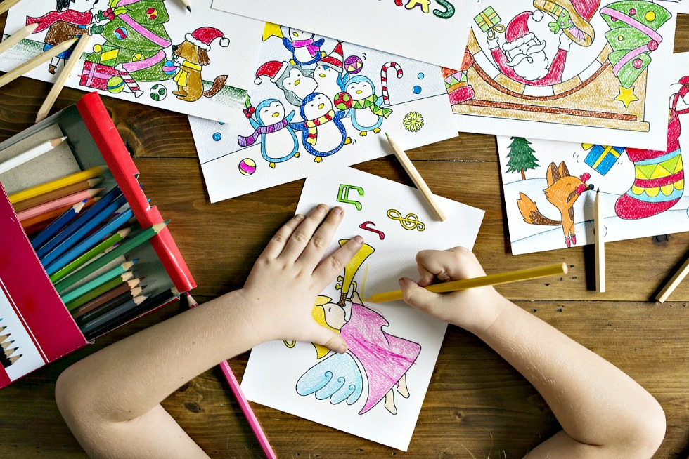 These are the best stocking stuffer ideas for kids! Easy, useful and inexpensive ideas for stuffing stockings your kids will love!